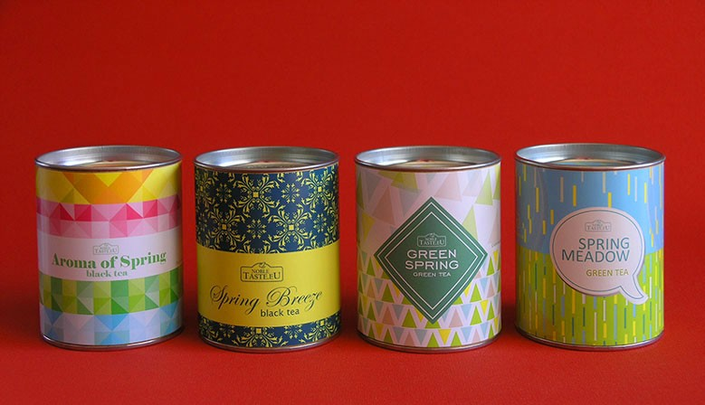 Spring collection of aromatic teas